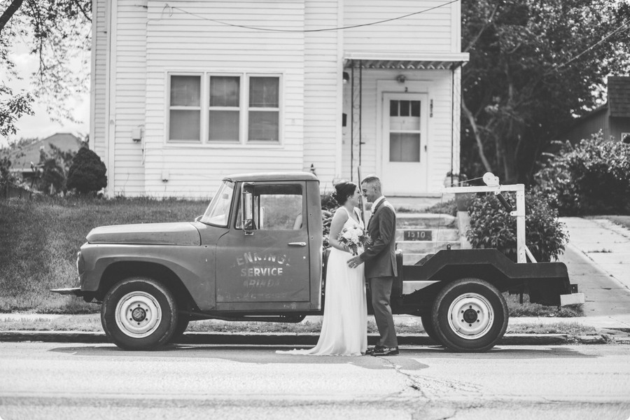 Omaha Ford Birth Site Wedding - Lindsey & James 40